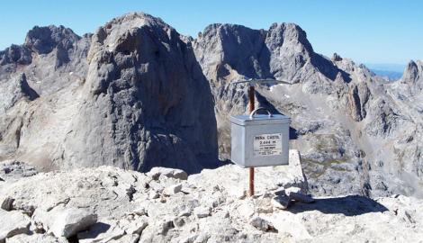 PEÑA CASTIL (2.444 m)