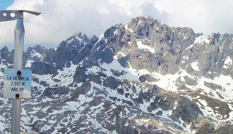 TORRE  LA  BERMEJA (2.393m)
