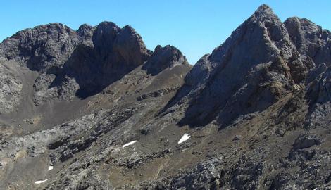 TORRE DE HORCADOS ROJOS (2.506 m)